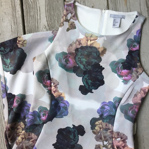 H&M Dresses & Skirts - Pastel floral sleeveless bodycon dress—H&M